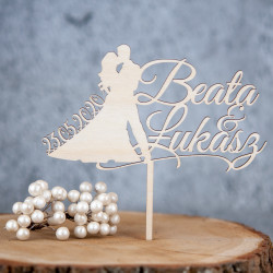 Topper na tort weselny - Para z datą na sukni i imiona małżonków - ślub